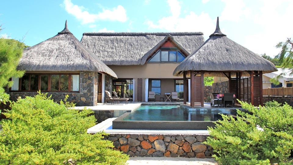 Villa lisandra villa louer ile maurice est poste for Campement a louer a grand baie avec piscine