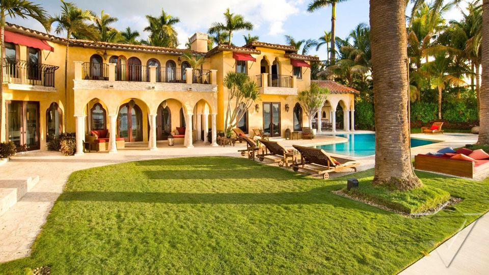 Location de villas de luxe en etats unis villanovo for Model de villa de luxe