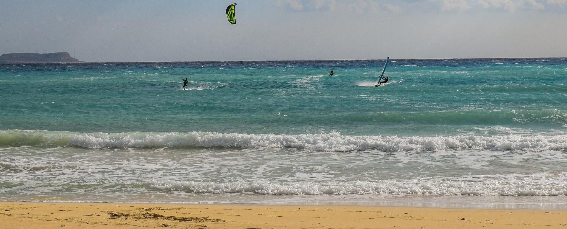 Découvrez les différents sports aquatiques disponibles sur l'Île de Ré - Île de Ré
