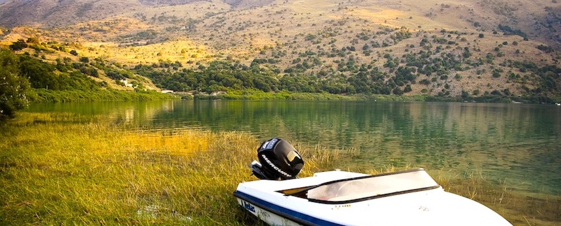 5- Faites du pédalo sur le lac de Kournás - Crete