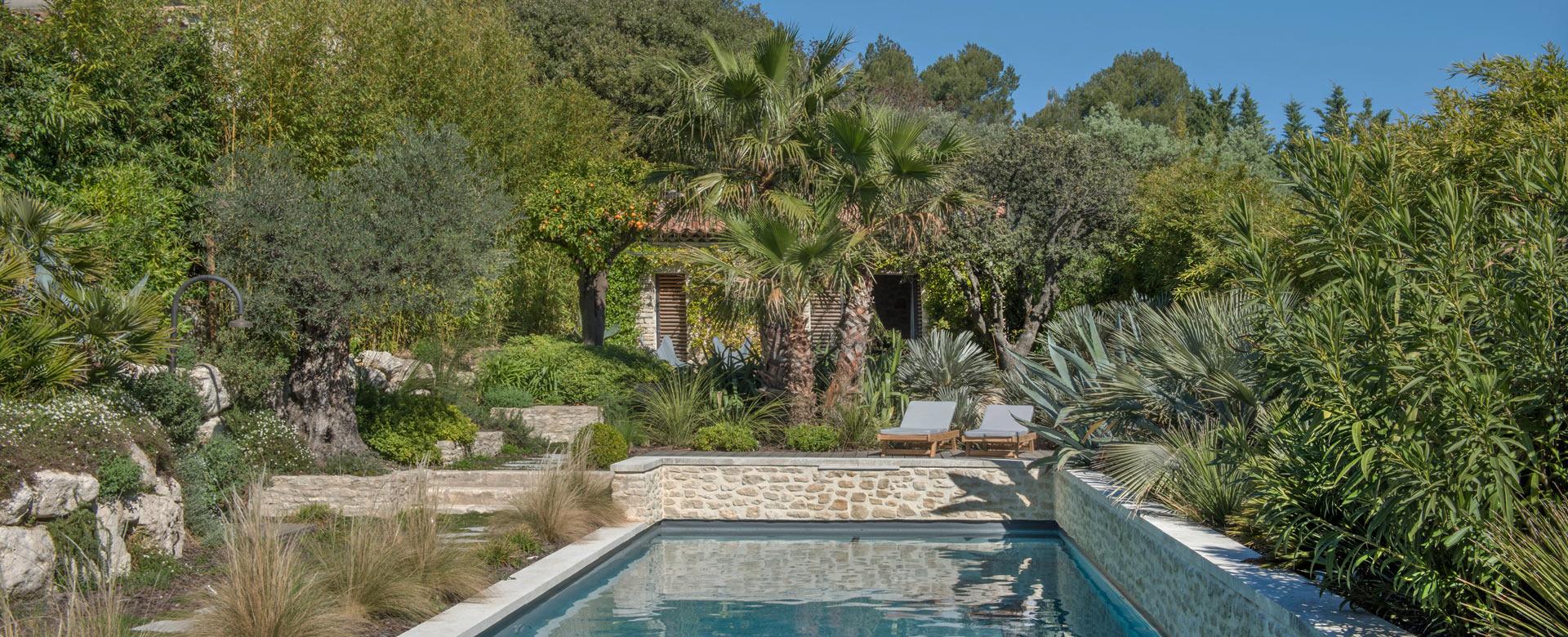 ihre villa in luberon mieten sie ein luxus ferienhaus in der provence villanovo. Black Bedroom Furniture Sets. Home Design Ideas