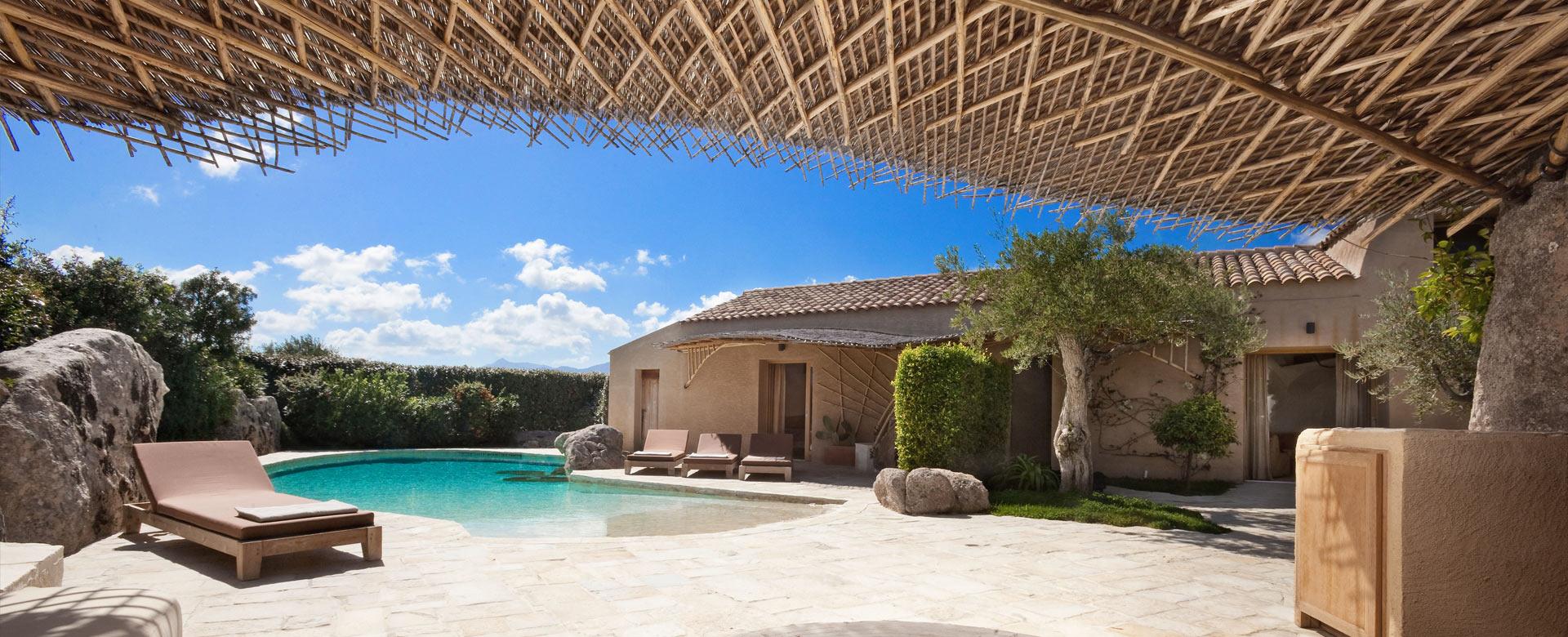 Location de villa de luxe en sardaigne for Des belles villas