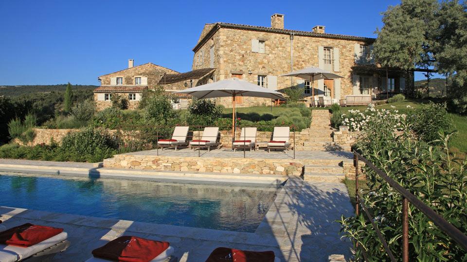 Location de villa en provence villa de luxe en provence for Villa a louer en provence avec piscine