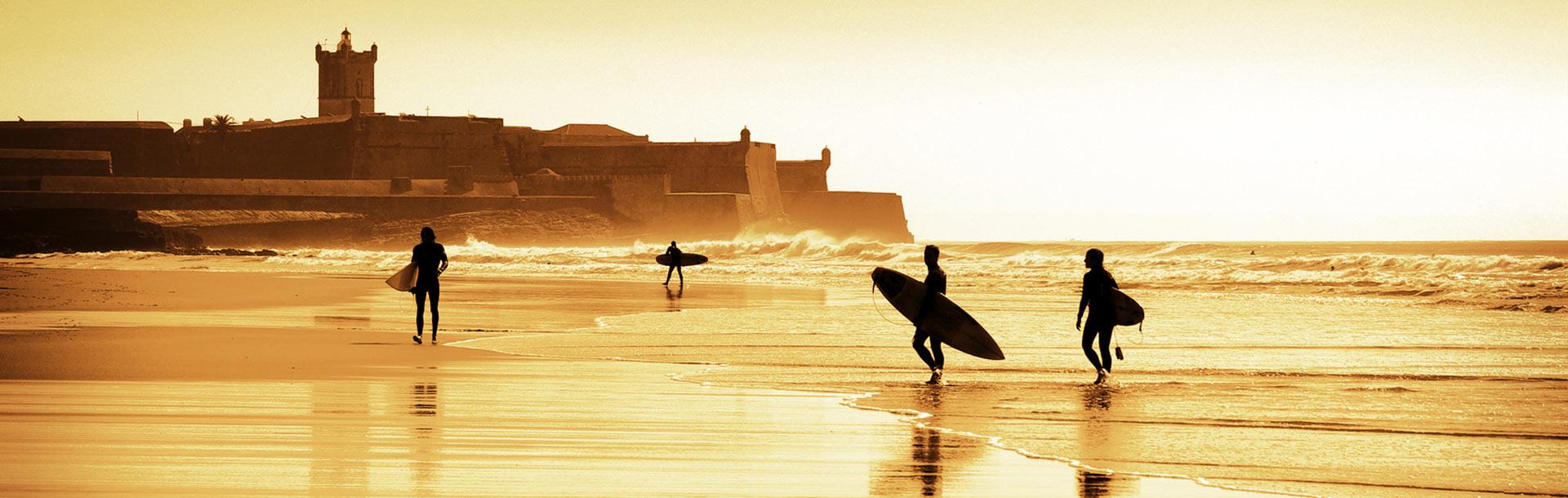 DES SPOTS DE SURFS SUBLIMES SUR TOUTE LA COTE PORTUGAISE