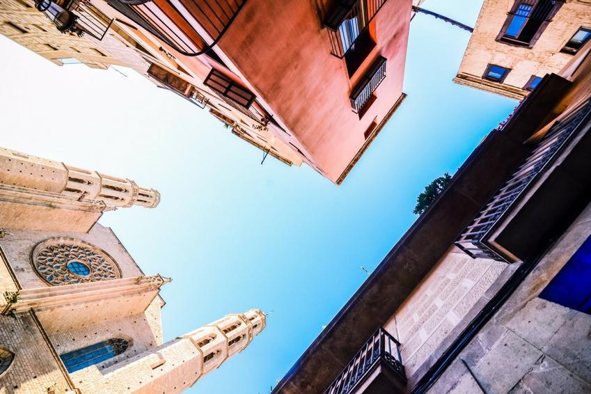 Vous avez envie de partir pour le mois de janvier, mais vous ne savez pas où poser vos valises ? Cap sur la charmante ville de Barcelone.