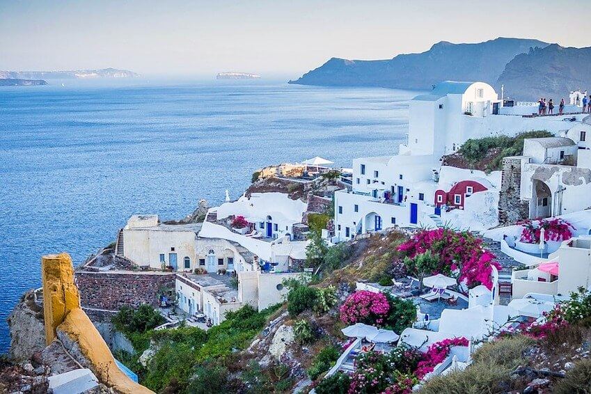 Are you still hesitating whether to go to Greece or not? Here are 3 reasons that will convince you!