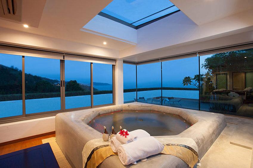 Spa: a relaxing bath