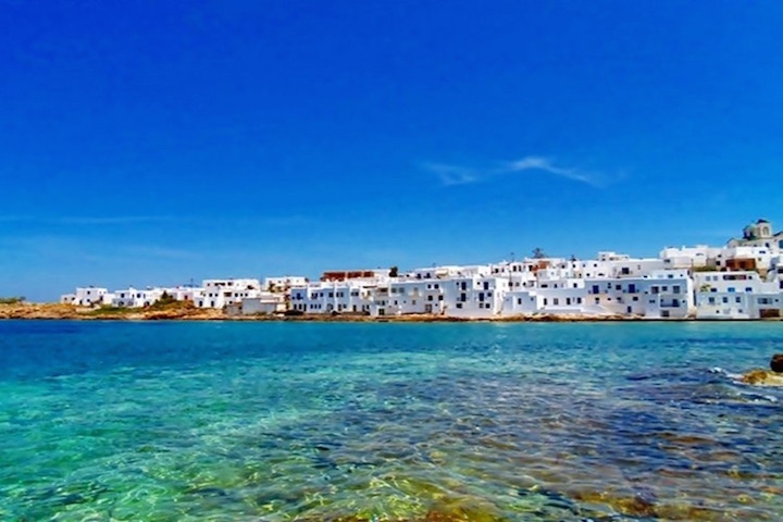 Discovering the beautiful island of Paros