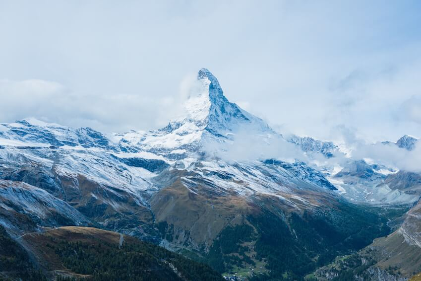 The Swiss Alps, between natural beauty and modernity