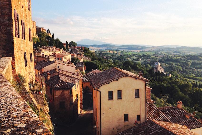 2) Montepulciano