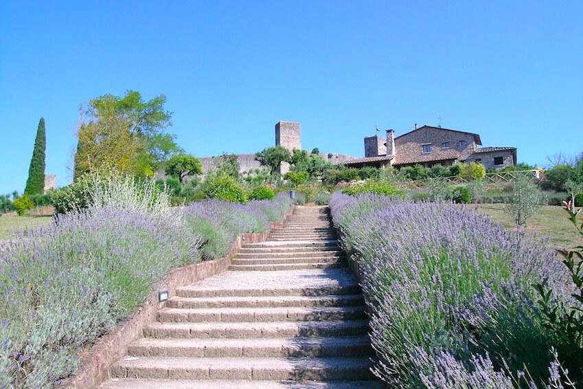 5) Monteriggioni