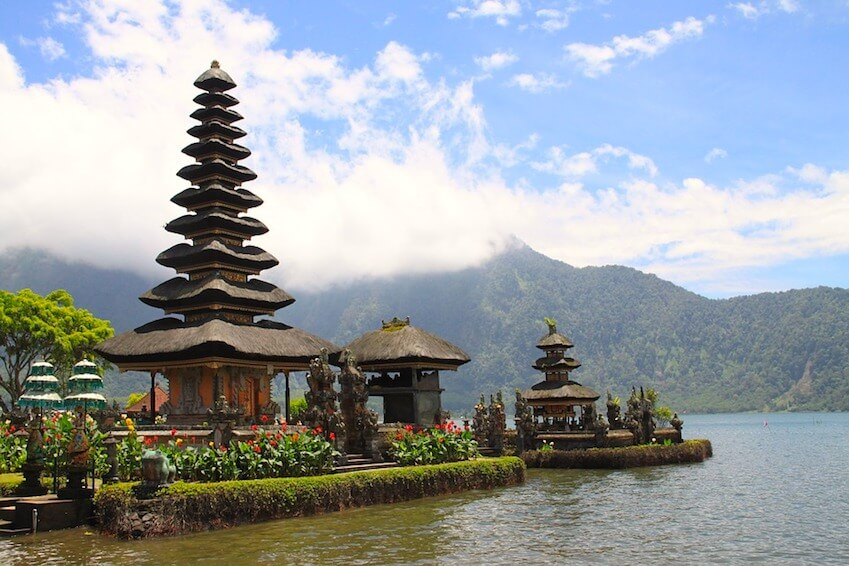Visit the temples of Indonesia