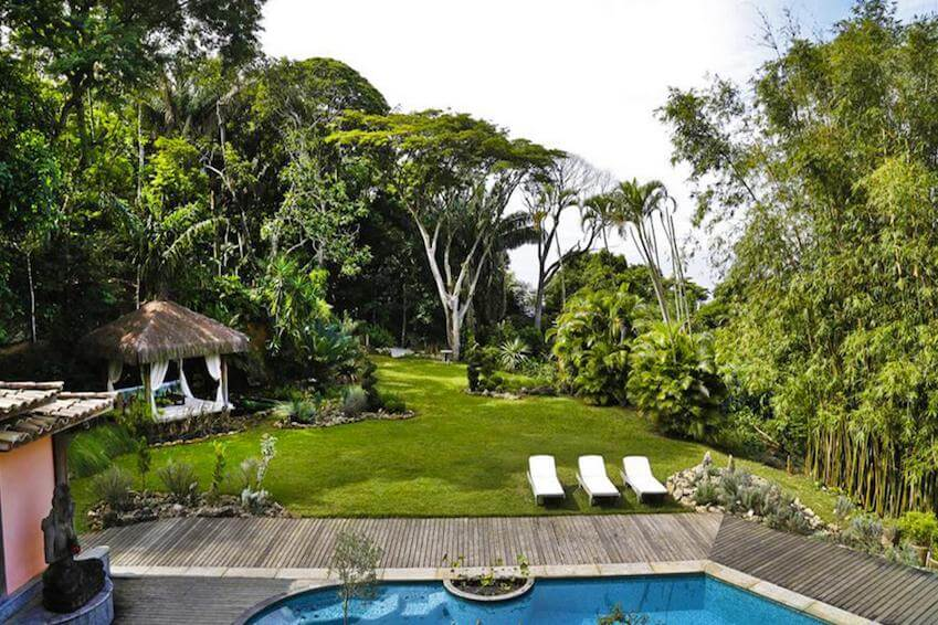 Stay in a luxury villa in the middle of the jungle of Brazil