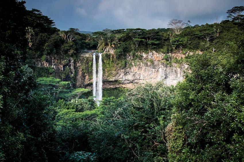 Admirez les splendides chutes d'eau de Maurice