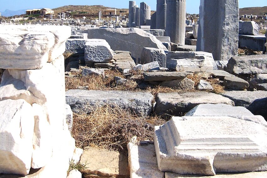 The historical heritage of the island of Delos