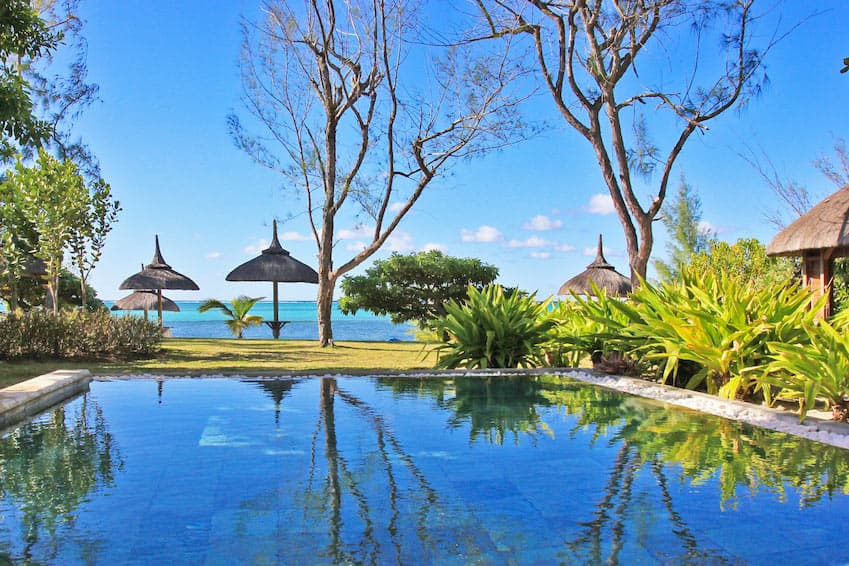 A thousand and one reasons to rent a villa on the water in Mauritius