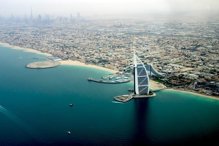 4- Détendez-vous sur les plages de Dubaï