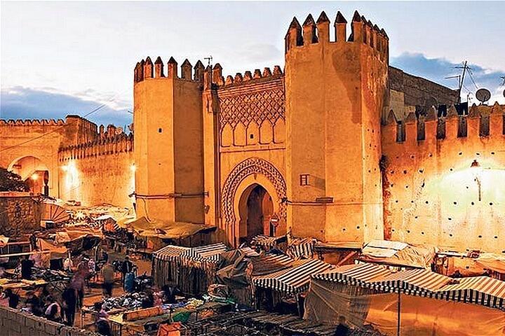 Fès, une ville historique, rayonnante et colorée