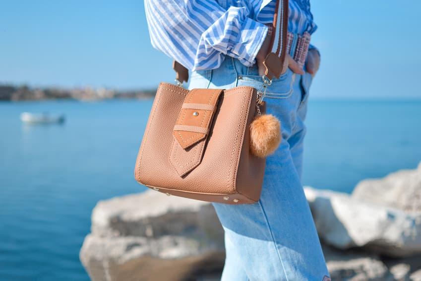 Préparez un petit sac ou une sacoche avec l'essentiel