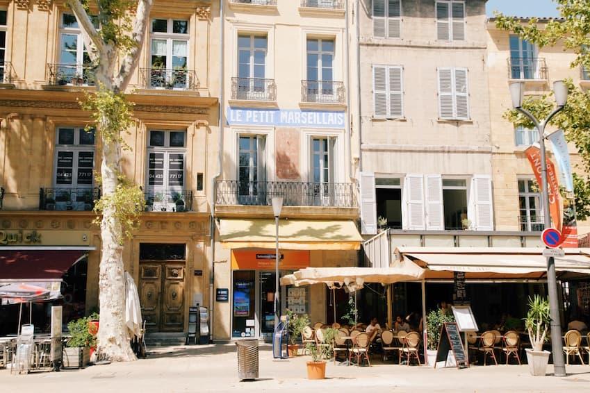 Make a stop in Aix-en-Provence