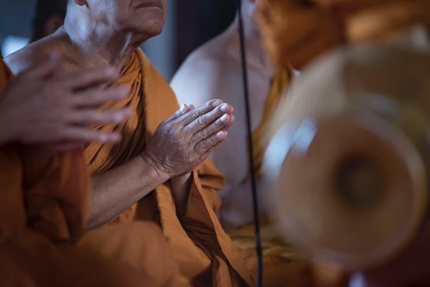 La politesse envers les moines