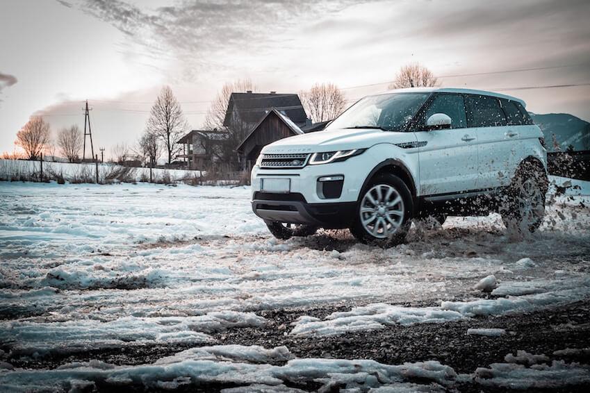 Un Range Rover pour des vacances dans les Alpes