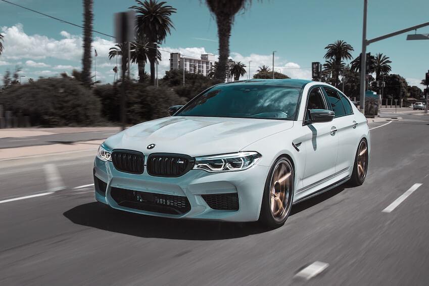 Une BMW décapotable série 2 à Miami