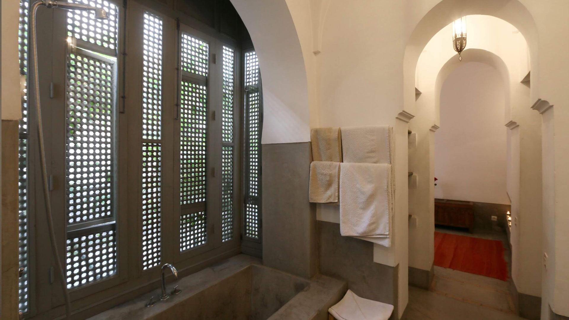 Fotos de la villa riad zaouia 44 en marrakech villanovo for Cuarto para las 6