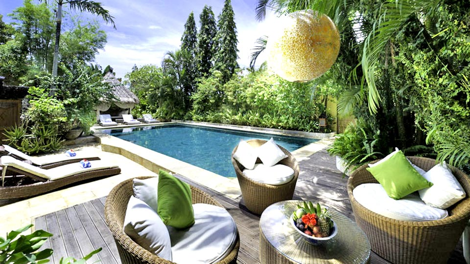 Location de villa bali villa de luxe bali avec villanovo for Decoration jardin villa