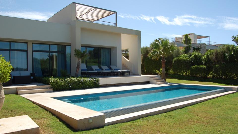 Villa meknes villa louer essaouira mogador golf for Villa a louer a casablanca avec piscine