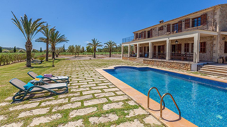 location de villa majorque villa de luxe majorque villanovo. Black Bedroom Furniture Sets. Home Design Ideas