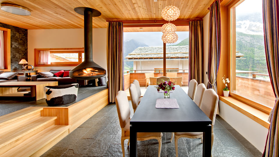 chalet snowmass villa louer alpes suisses saas fee villanovo. Black Bedroom Furniture Sets. Home Design Ideas