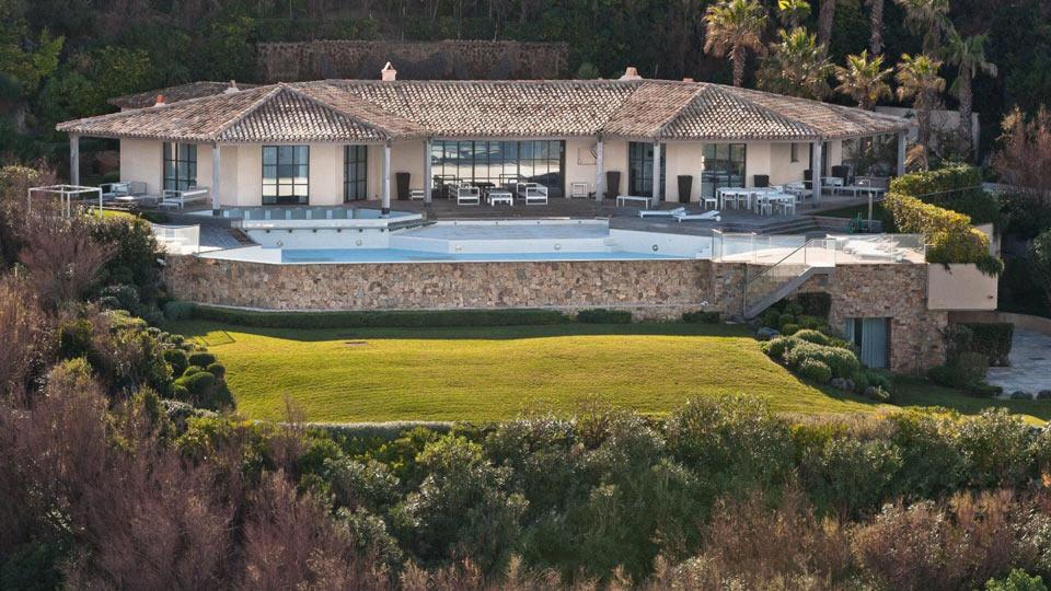 Location de villas de luxe saint tropez c te d 39 azur for Location villa cote d azur piscine