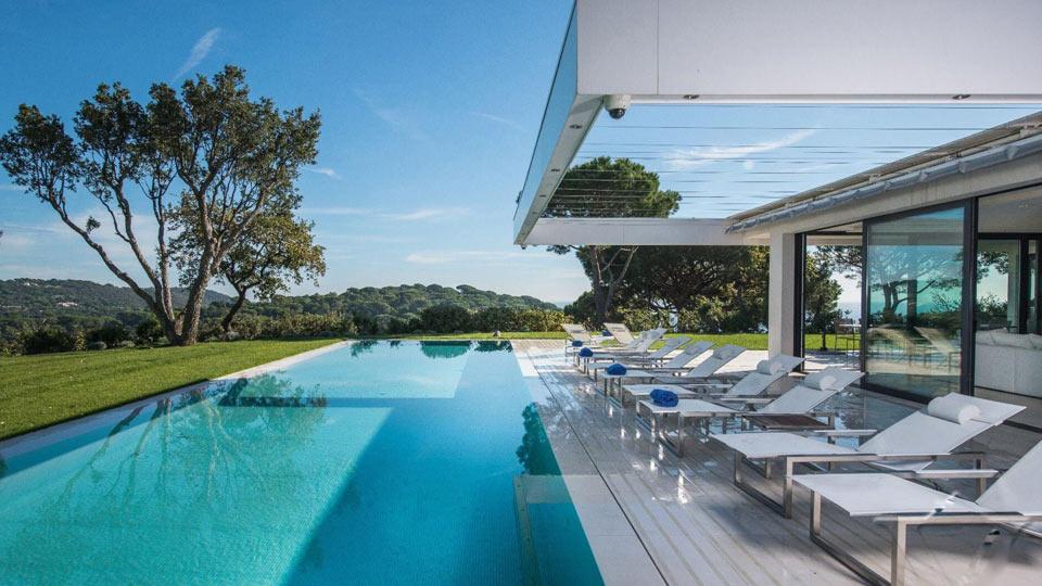 Villa riviera villa louer c te d 39 azur saint tropez for Location villa cote d azur piscine