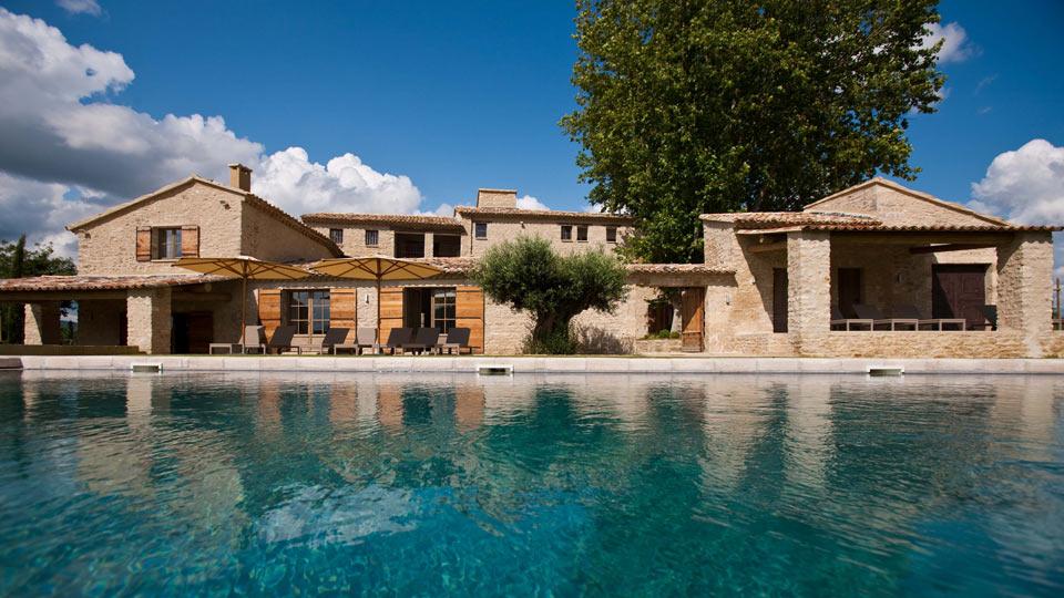 Location de villa en provence villa de luxe en provence for Location villa salon de provence