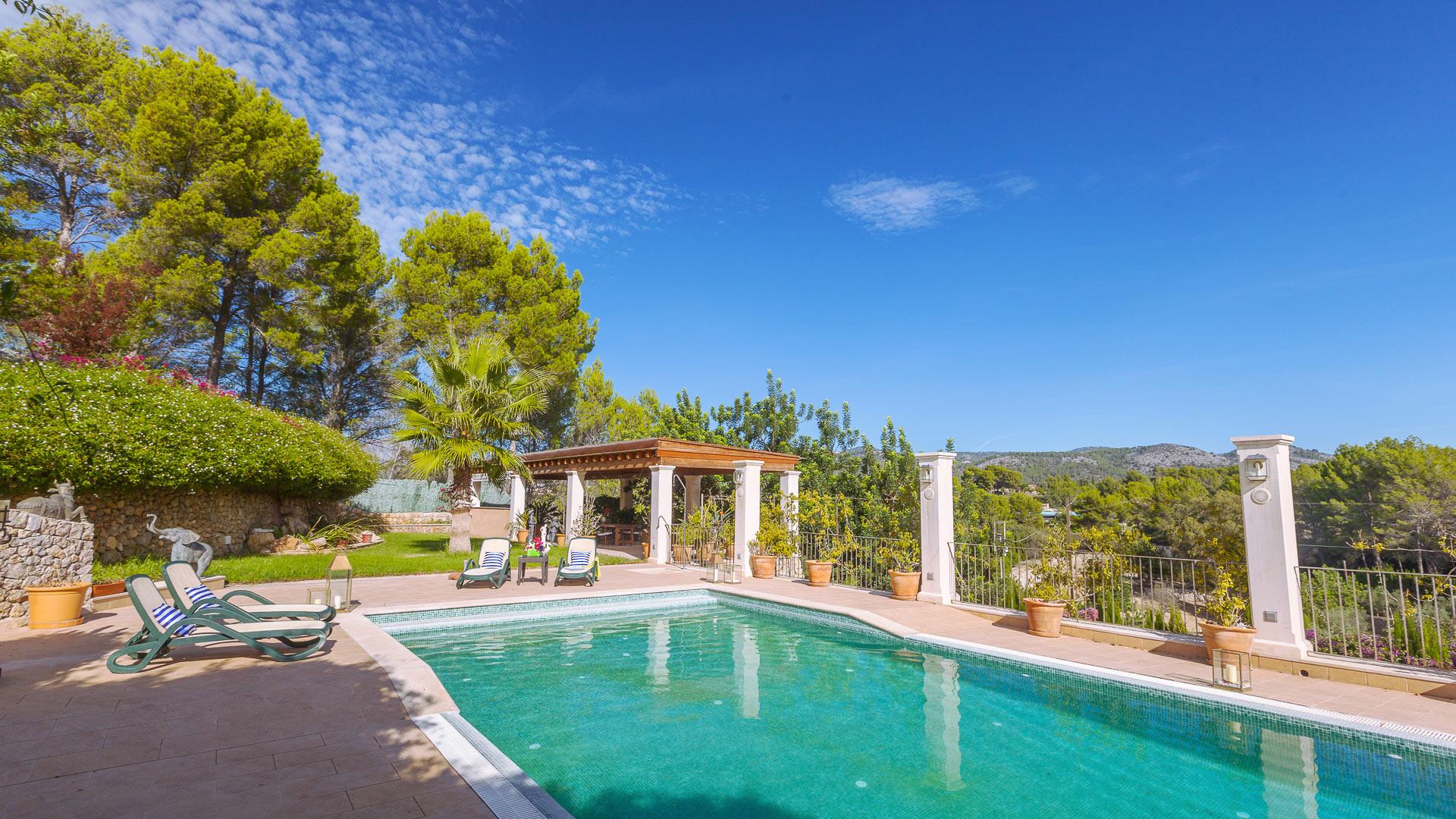 Villa caridad alquiler de casa en mallorca suroeste for Alquiler maquinaria mallorca