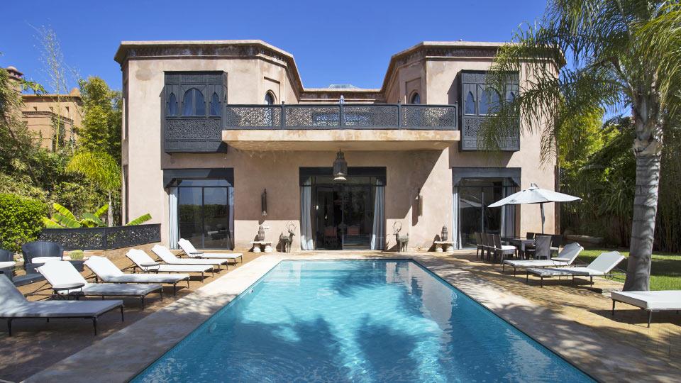 Location de villas et de riads de vacances marrakech for Construction piscine marrakech