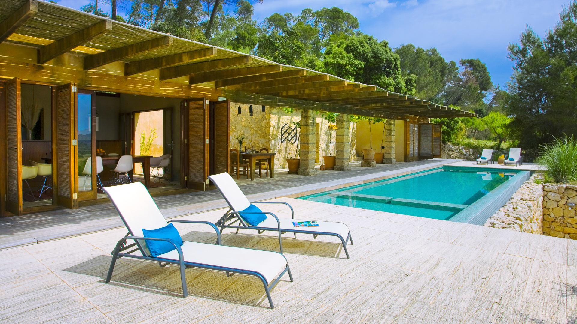 Villa platana alquiler de casa en mallorca centro for Alquiler maquinaria mallorca