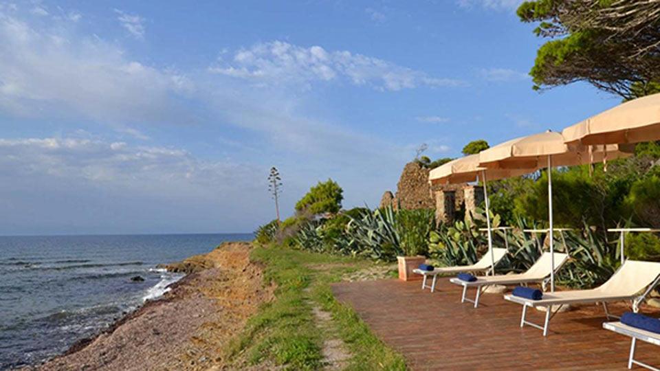 Rental villas in Calabria on the beach photo