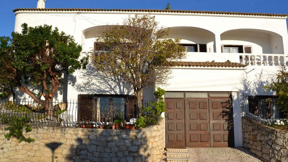 villa encosta da marina villa mieten in algarve albufeira villanovo. Black Bedroom Furniture Sets. Home Design Ideas