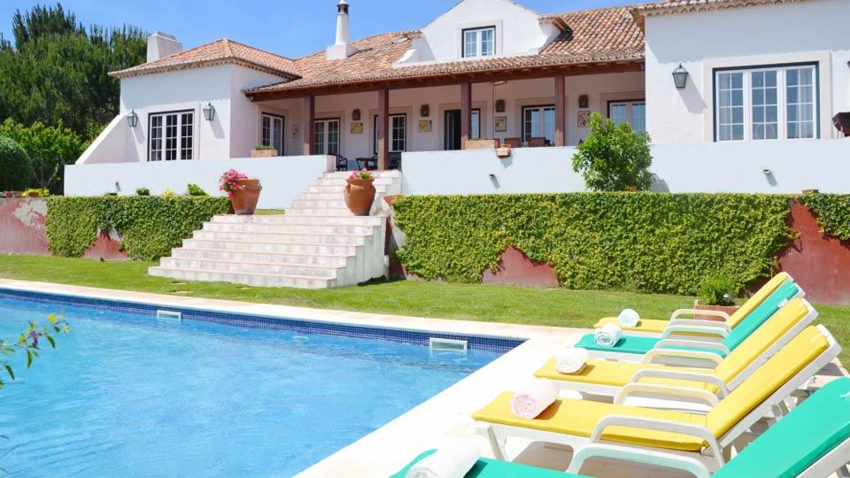 villa bella sintra villa mieten in sintra sintra stadt villanovo. Black Bedroom Furniture Sets. Home Design Ideas