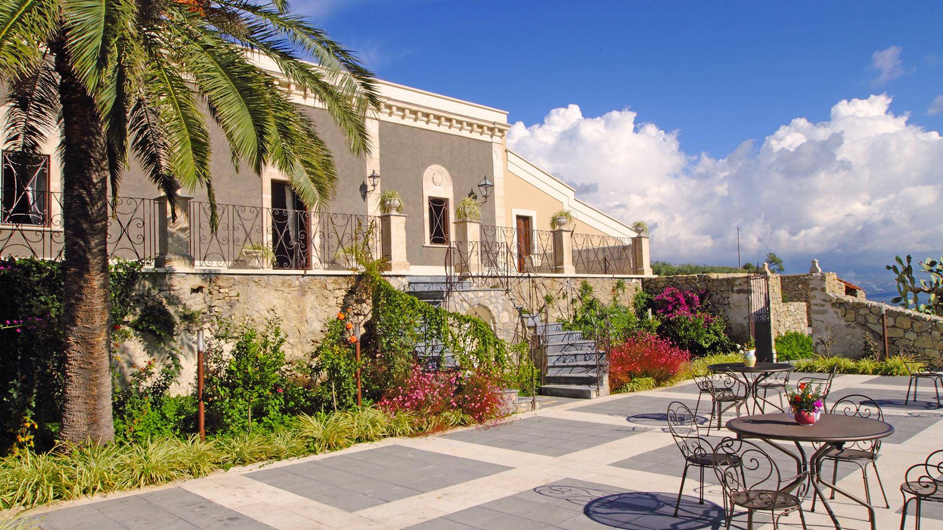 villa vecchia dimora villa mieten in sizilien sizilien s den villanovo. Black Bedroom Furniture Sets. Home Design Ideas