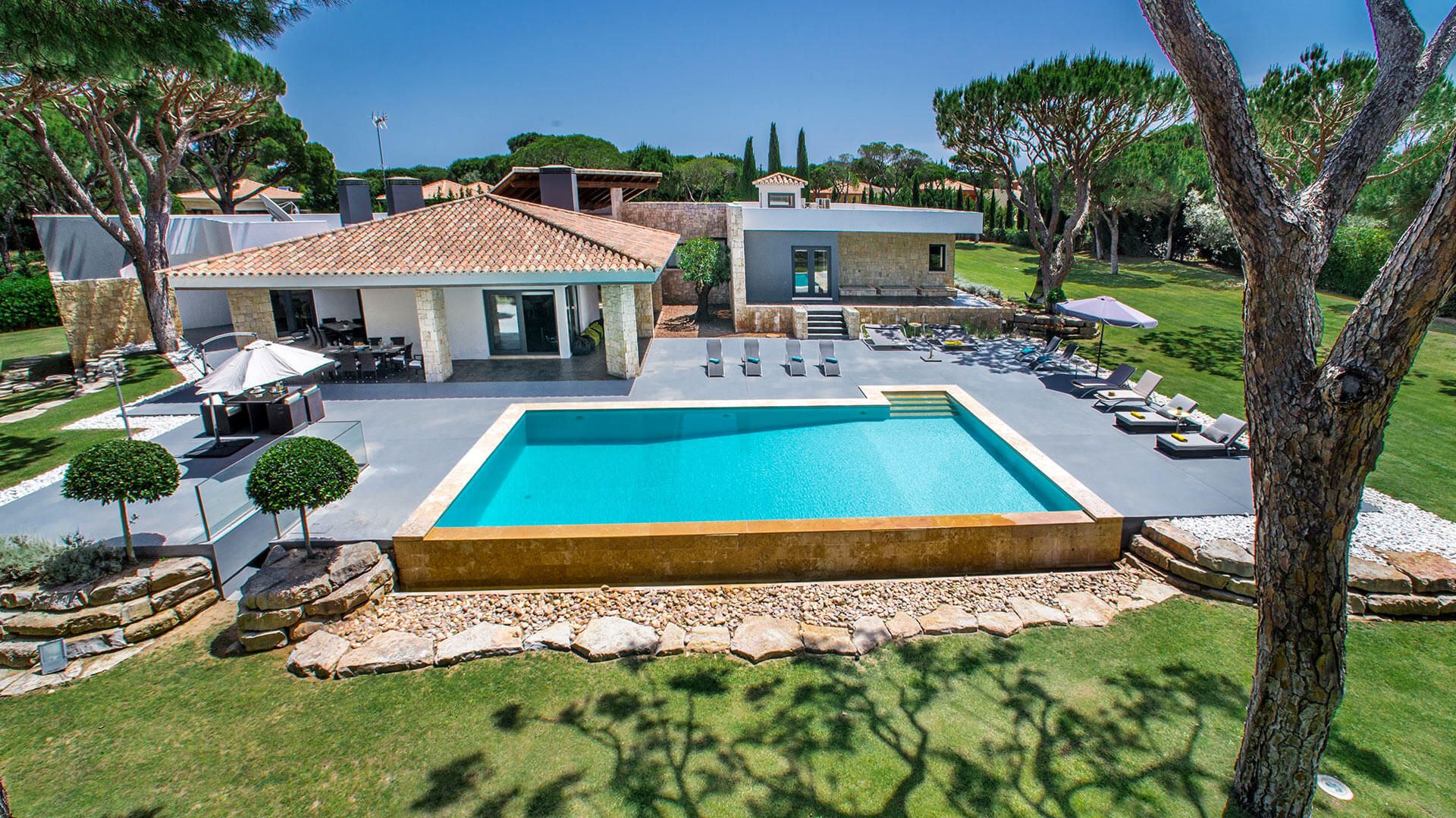 Villa aveleira alquiler de casa en algarve vilamoura villanovo - Alquiler de casas en portugal ...