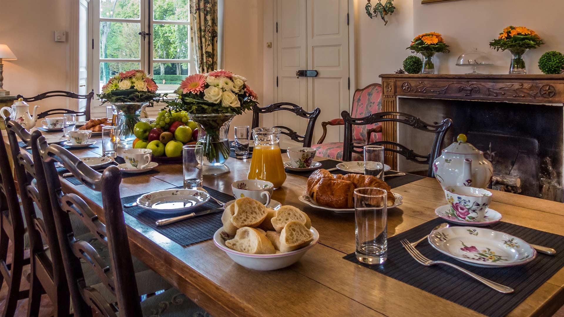 Photos de la villa ch teau de tourreau provence villanovo - La salle a manger salon de provence ...
