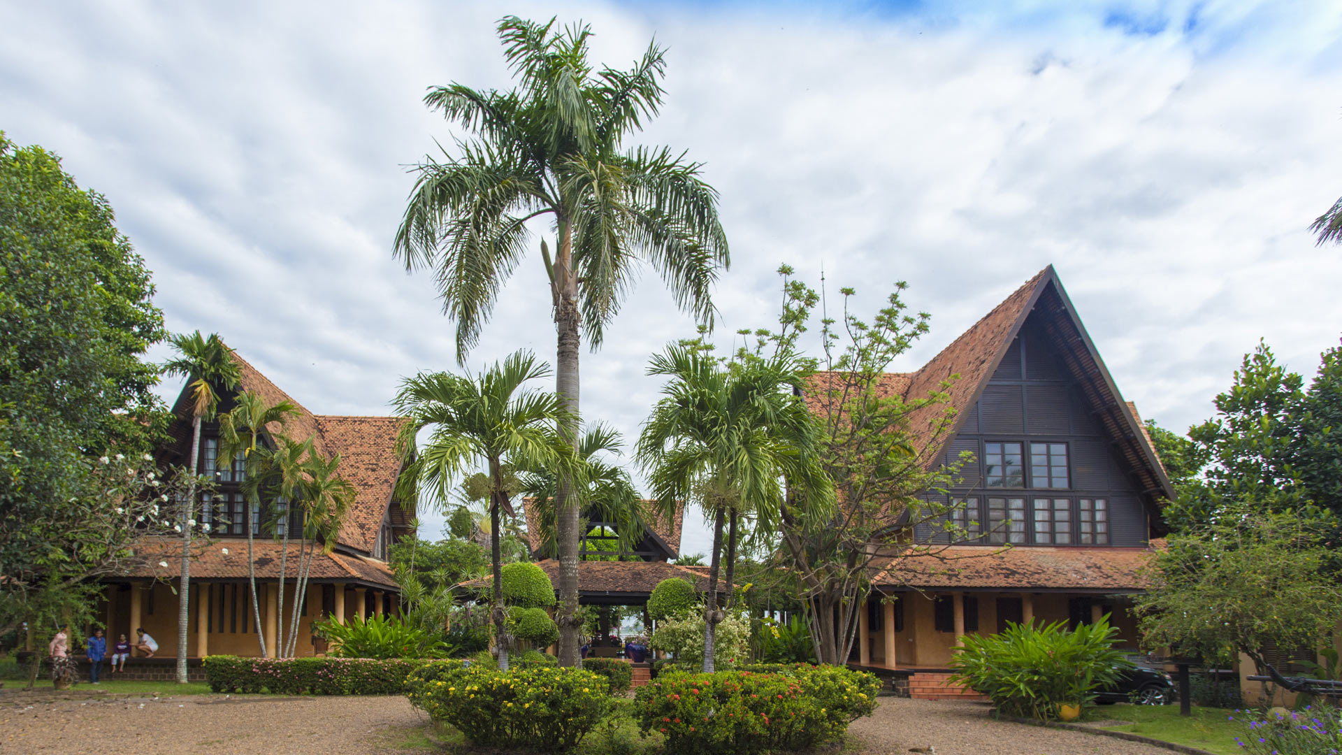 Villa Villa Y, Location à Phnom Penh