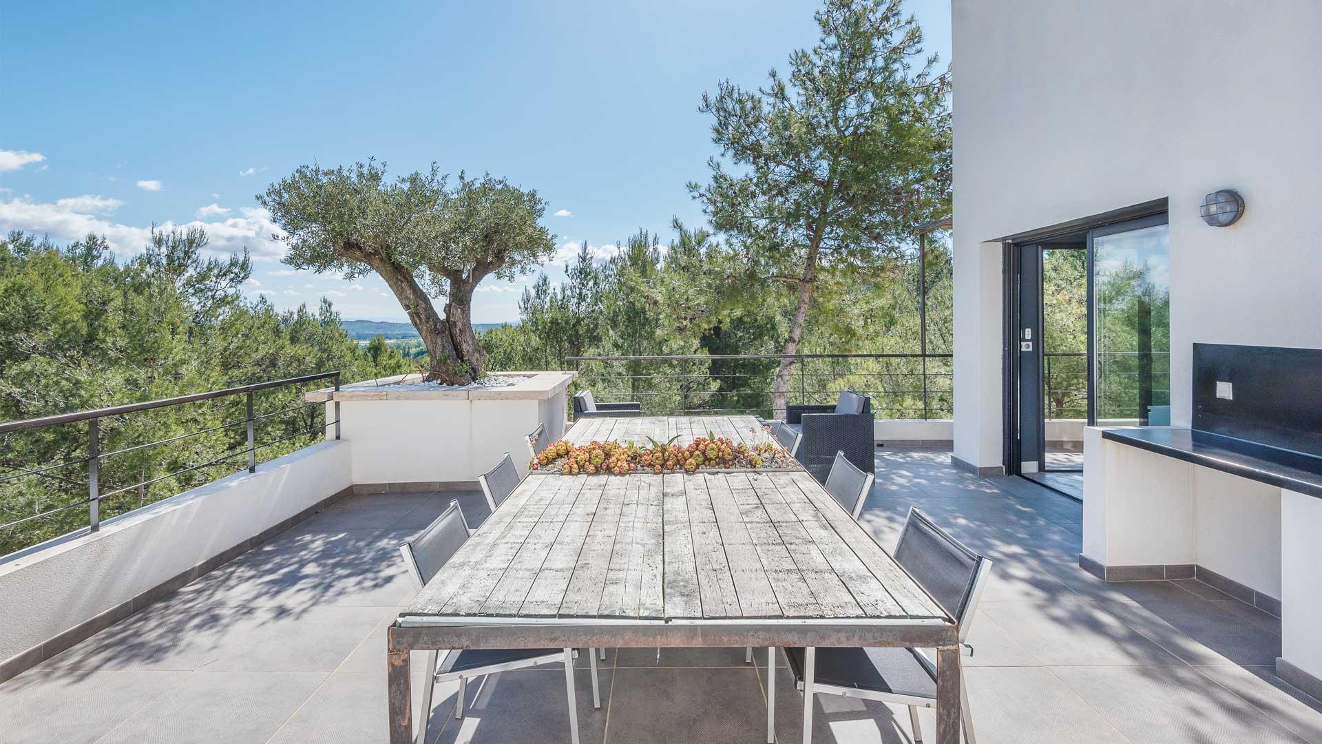 fotos von der villa mady in provence villanovo. Black Bedroom Furniture Sets. Home Design Ideas
