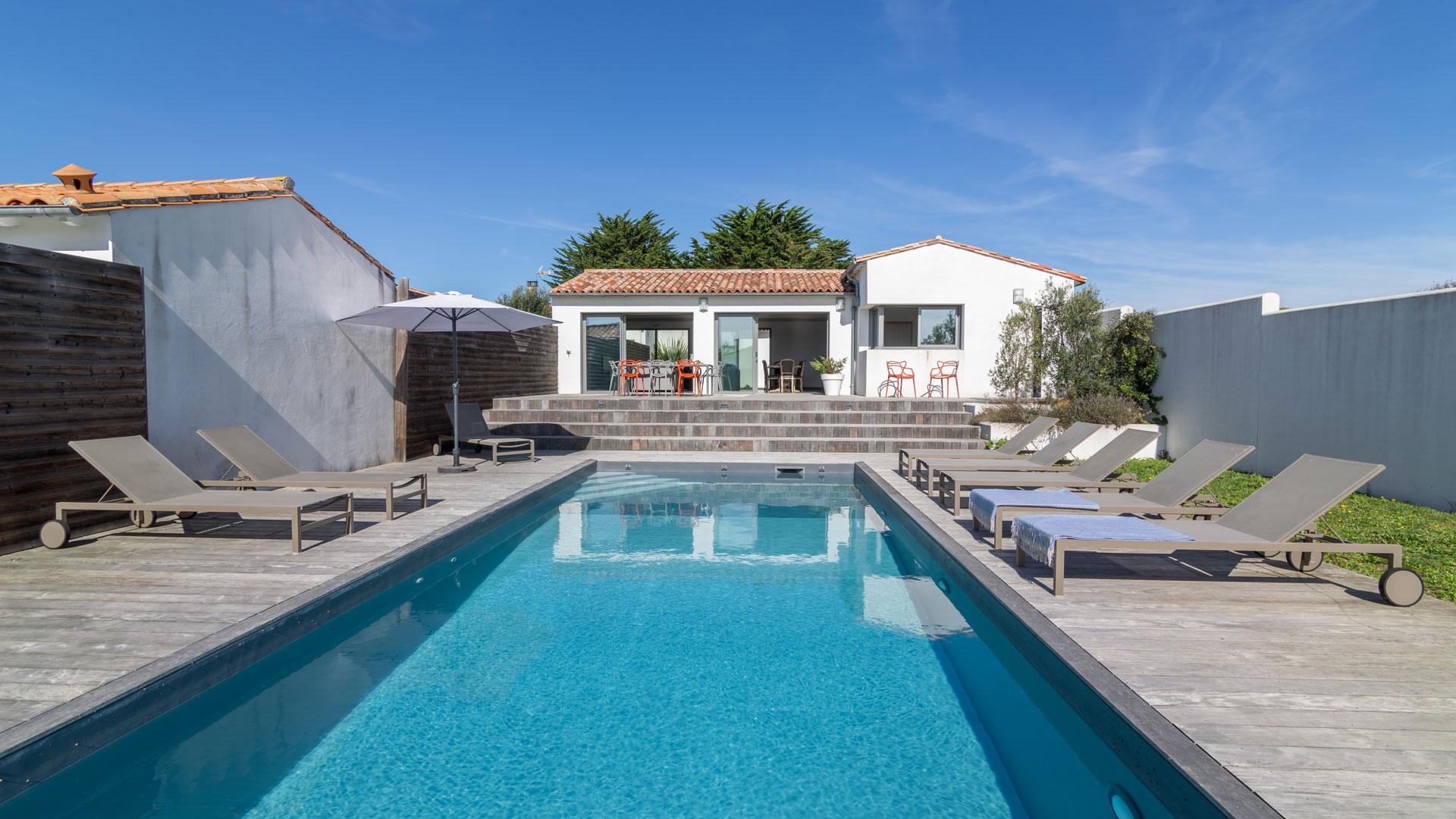 villa rosalie villa louer le de r sainte marie de r villanovo. Black Bedroom Furniture Sets. Home Design Ideas