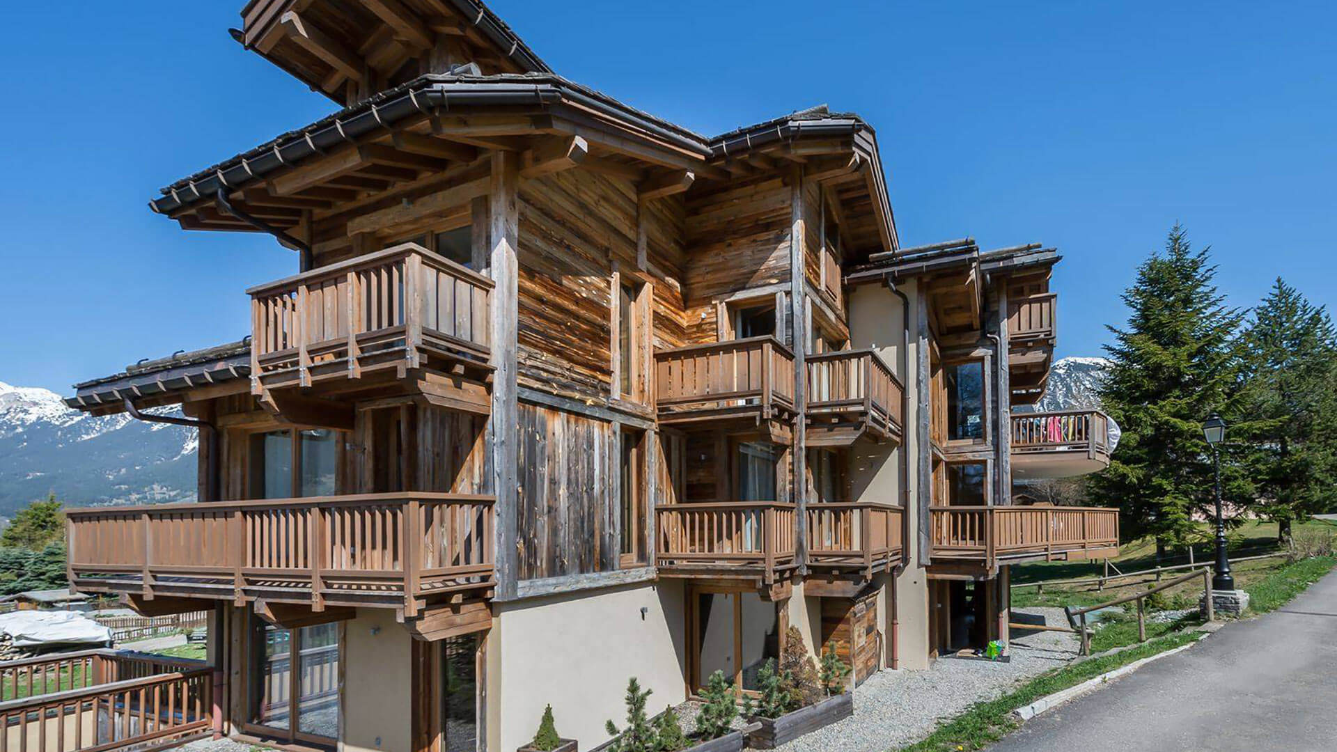 Villa Appartement Colombe, Location à Alpes du Nord