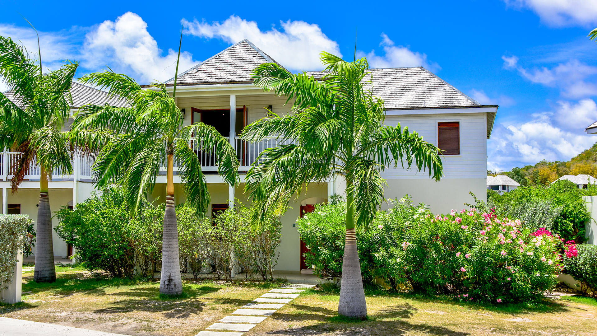 Villa Villa Polly, Location à Freetown