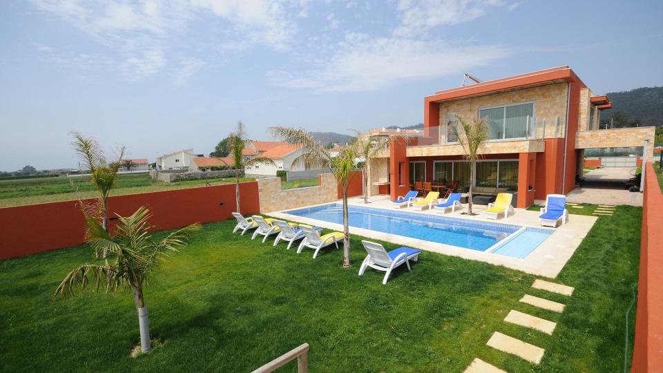 Villa Villa Clarita, Rental in Porto and North